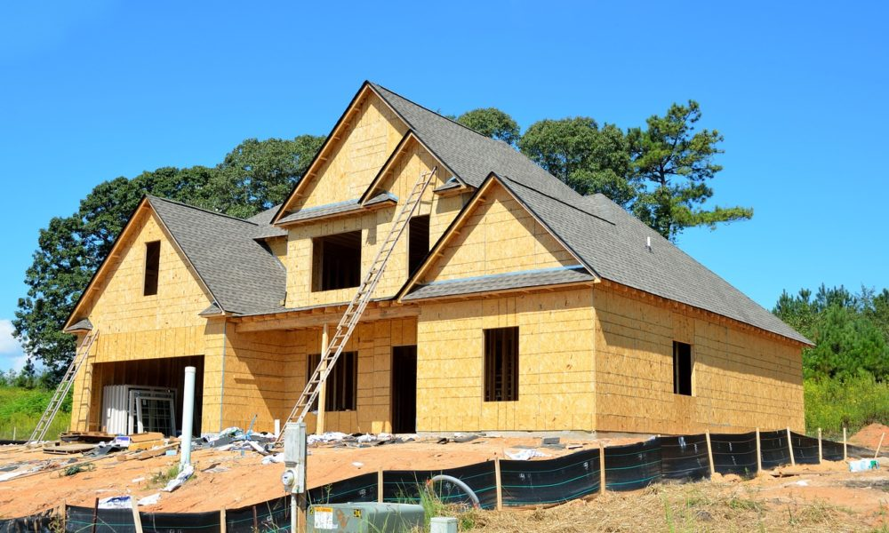 Zgodnie z aktualnymi regulaminami nowo tworzone domy muszą być oszczędnościowe.